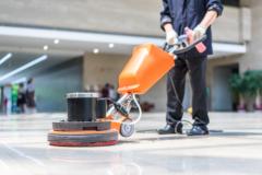 床を再生させる床ワックス塗布清掃